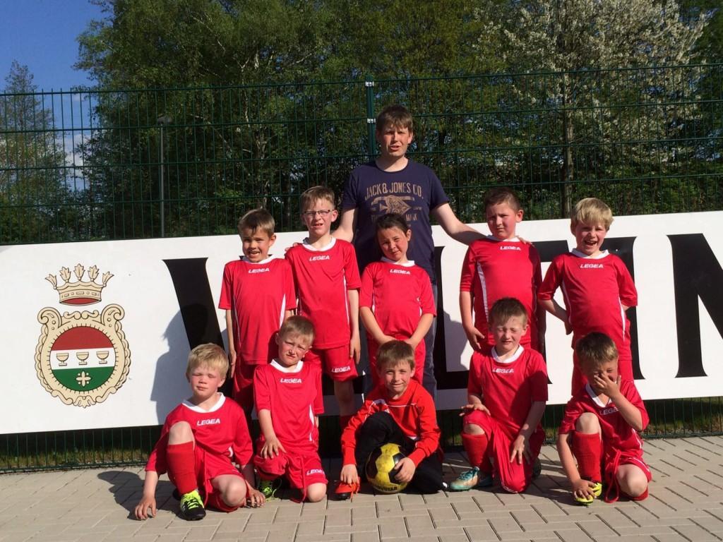 G-Jugend der JSG Langscheid/Enkhausen-Hachen-Hövel beim Mc Donalds Cup in Hüsten am 07.05.2016