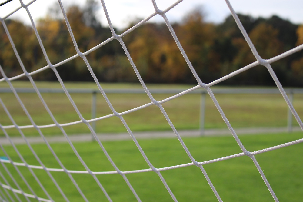 football-pitch-1786563_1920