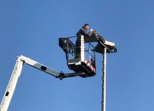 Der Sportplatz in Hachen erstrahlt wieder im vollen (Flut)Licht